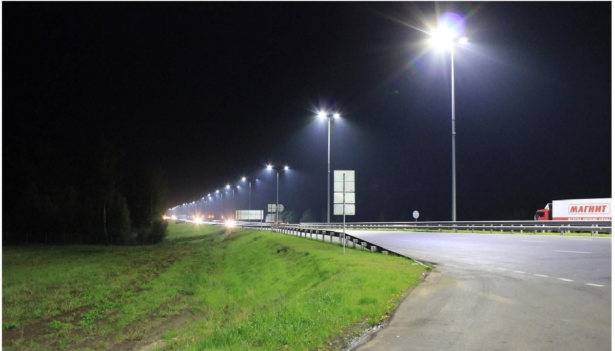 Устройство наружного освещения на участке автомобильной дороги М4 «Дон»